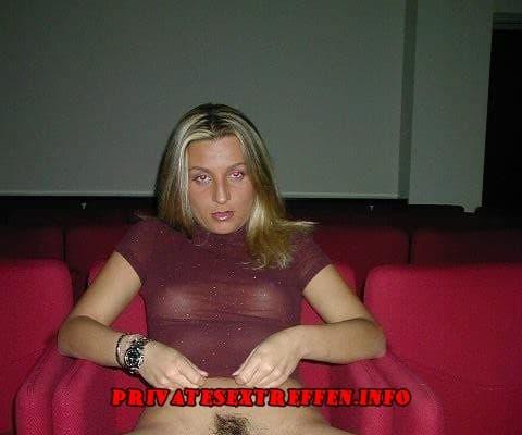 blondine mit haariger fotze will gefickt werdenn