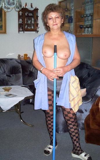 Putzt nackt oma Wenn Tante